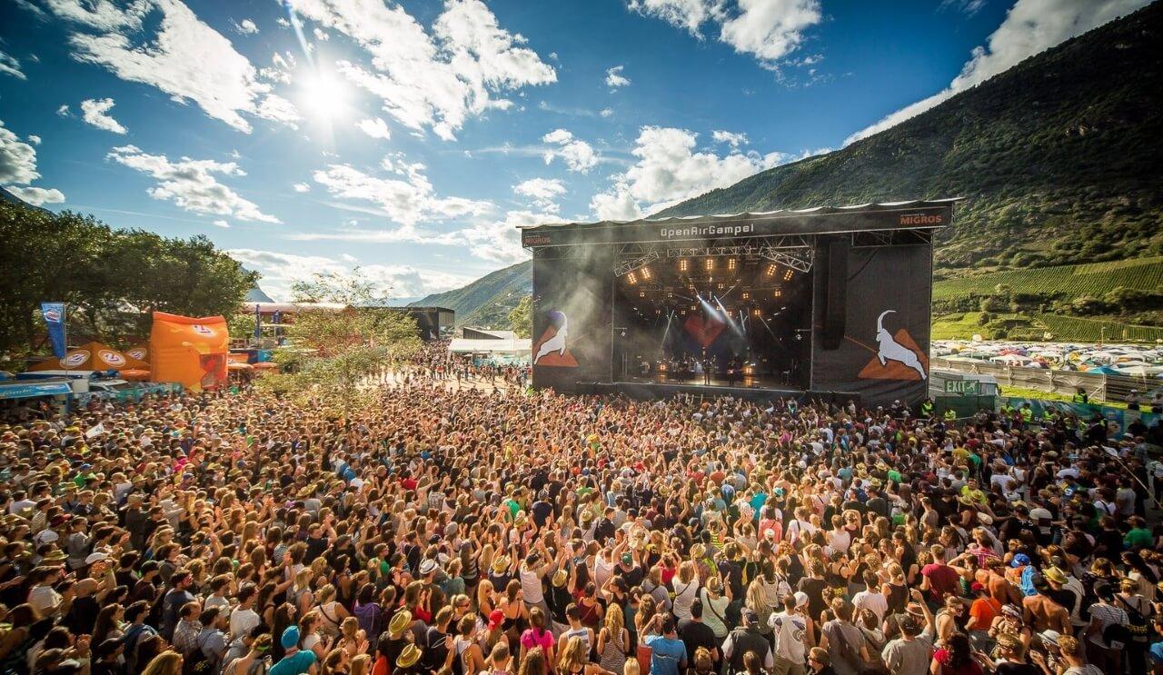 biggest-breast-petite-de-grat-august-festival-young